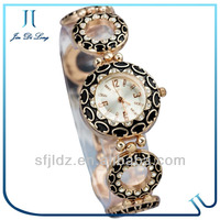 2013 fashion wrist watch fashion watch phone with skype ladies wholesale china