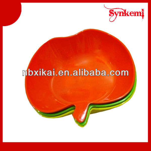 Apple shaped recycled plastic plates
