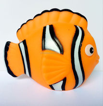 promotional plastic Nemo fish water spray toy