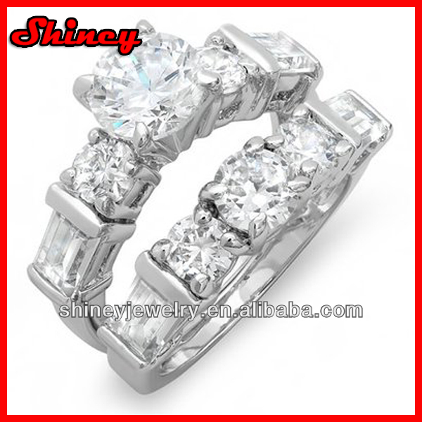 4.5 CT 5 stone Ladies Round and Baguette cut Cubic Zirconia CZ Wedding Bridal Engagement Ring with Matching Band Set