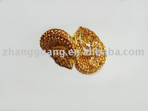 Fashion gold crystal rings