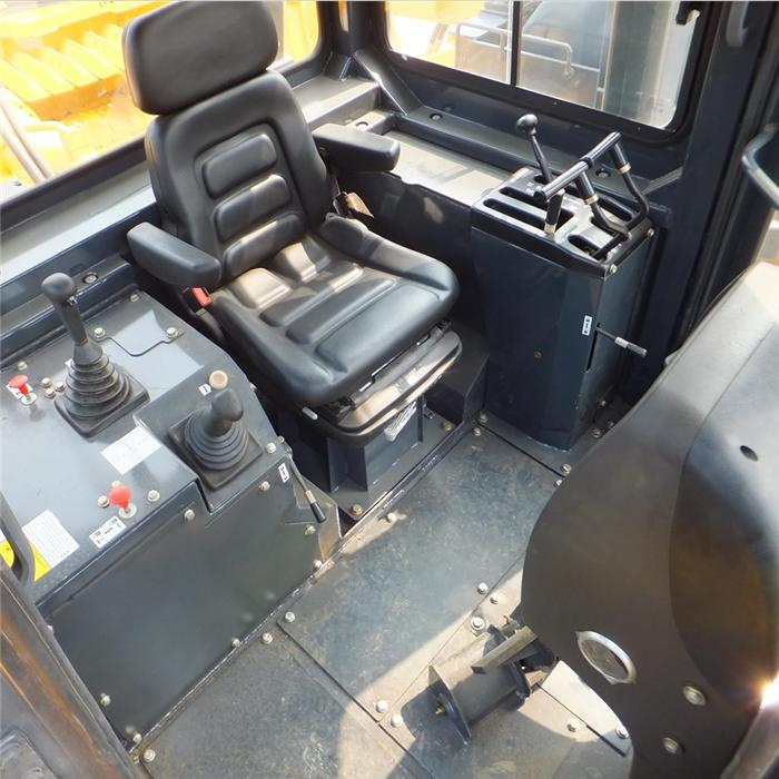 Bulldozer cab 01