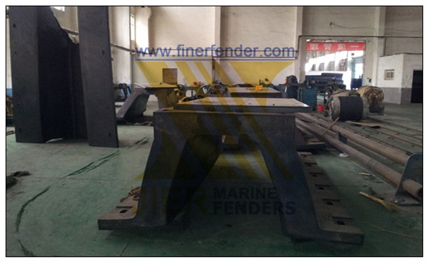 Arch Rubber Fender with Steel Panel