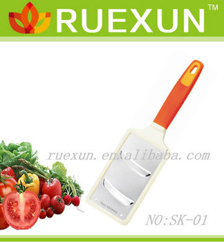 Etched kitchen vegetable grater, carrot grater