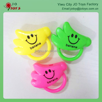 About 5.5cm 5g colorful plastic toy banana whistle