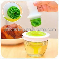 Hot selling food grade high quality silicone oil bottle with brush