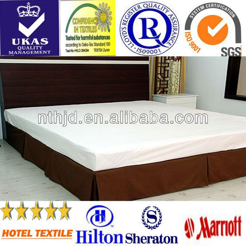 Jupe de lit d'hôtel