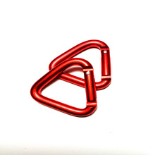 Wholesale customized color aluminum standard <strong>flat</strong> key chain triangle carabiner clip with factory price