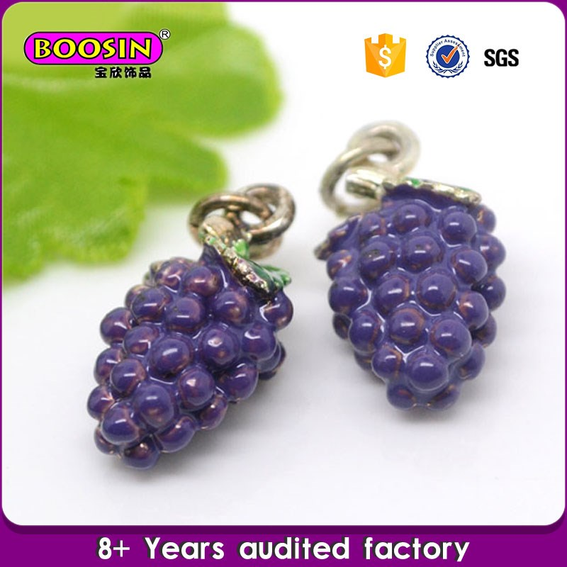 High quality manufacturer wholesale plastic fruit charms