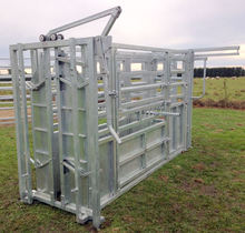 cattle crush with sliding gate head bale