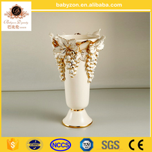 Grape carved white and gold Color Diamond Shape Shiny Decorative Flower Ceramic Vase