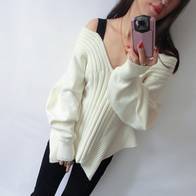 ZH02277B 2017 newest modern off shoulder bat sleeve kint women sweater