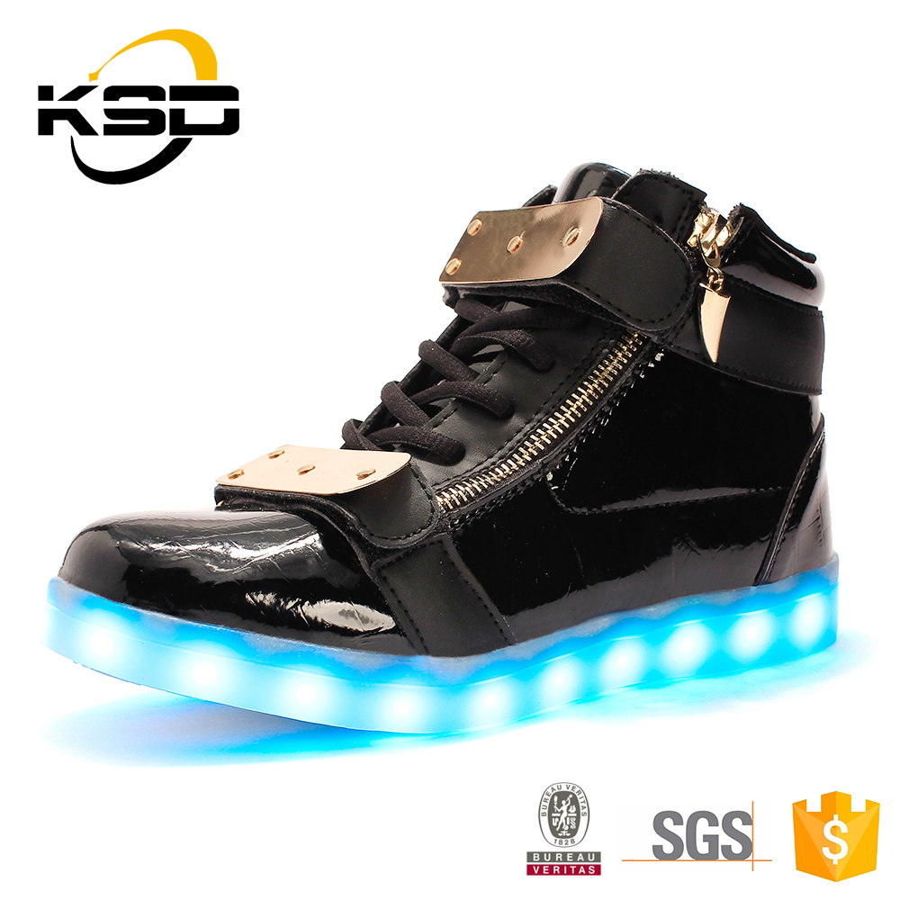 High Neck Sport Shoes For Men Snapping Back Safety Comfortable LED Shoes