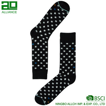 Custom Wholesale Snowflake Cotton Men Socks