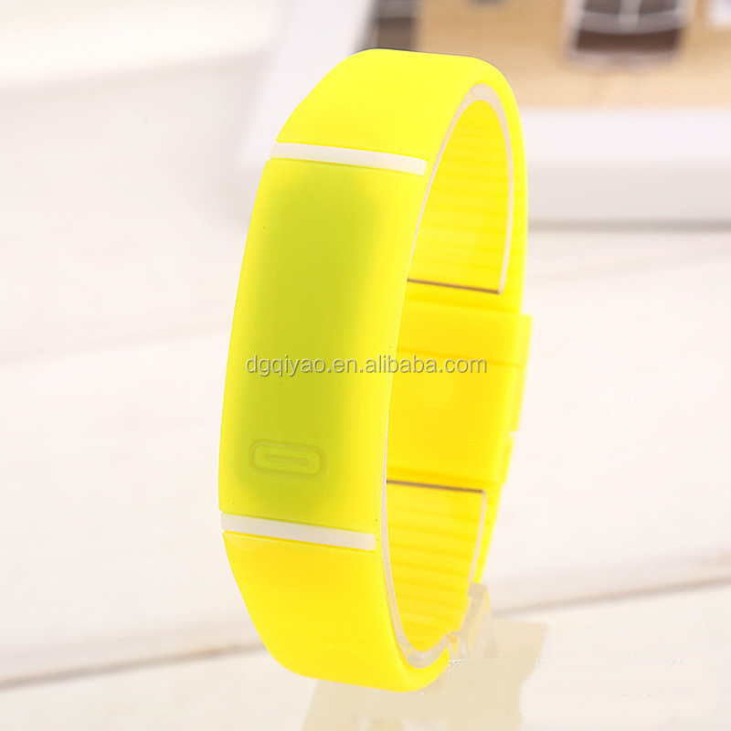 Manufacturers China suppliers made promotional silicone led watch digital bracelets