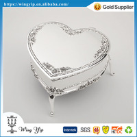 Manufacturer good quality Heart Shape Rose Pattern Silver Jewelry display box for Ornament