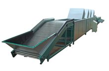 Fruit cleaning drying and sorting machine