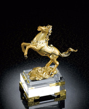 New design plated gold 3d horse metal trophy with crystal