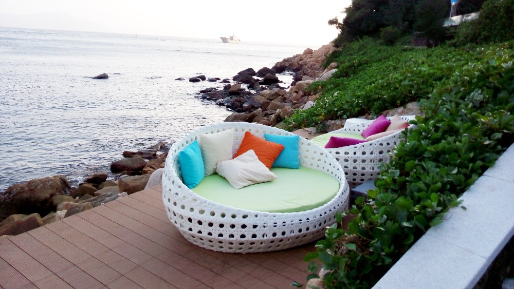 2016 outdoor garden furniture design rattan pool crown for Outdoor furniture japan