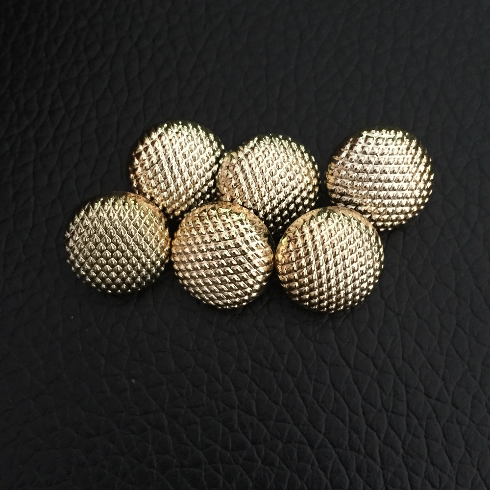 Distributor of various garment shank lady's fancy metal button, high-end suit buttons