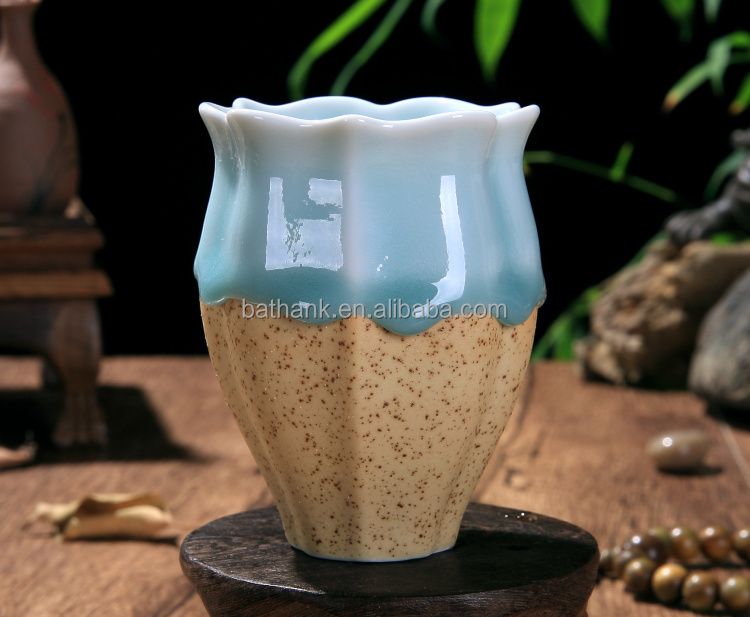 Ceramic tea cup with flow glaze in flower shape QFCB-106