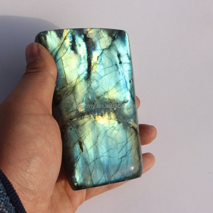 Natural Flashy Labradorite Stone Crystal Palm Stone