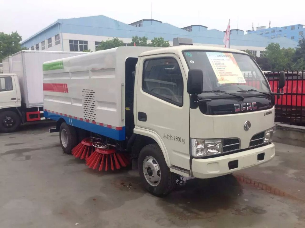 Left Hand Driver 6 wheels vacuum street road sweeper truck / good rice of road sweeper truck