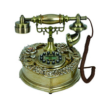 Old style antique telephone TL0212NY
