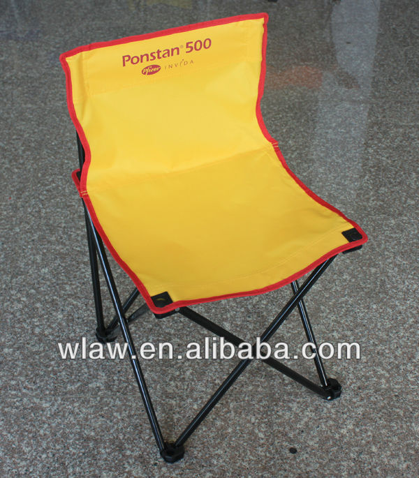 Armless folding fishing chair with handle bag