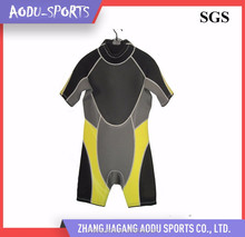 2017 Manufacture factory professinal swimming yellow wetsuits