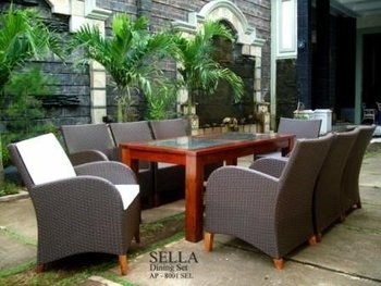 sella dining room set