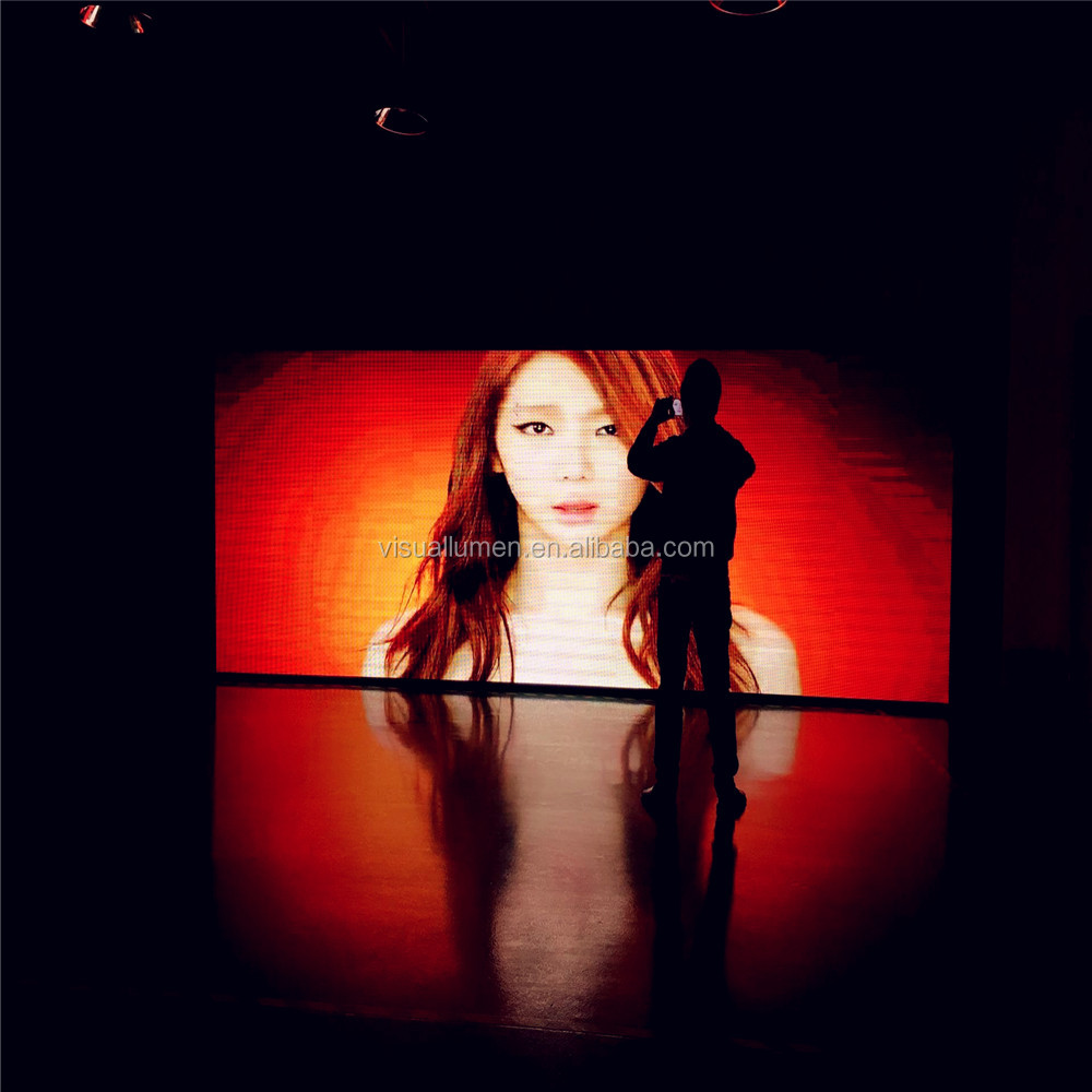 Full Color P5 Indoor LED Display with Beautiful Girl