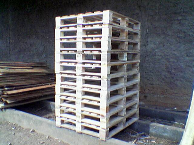 Wooden Pallet 4 Way Entry