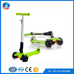 Kids toys 3 wheel kick scooter folding maxi scooter with lighted PU three wheels kick scooter