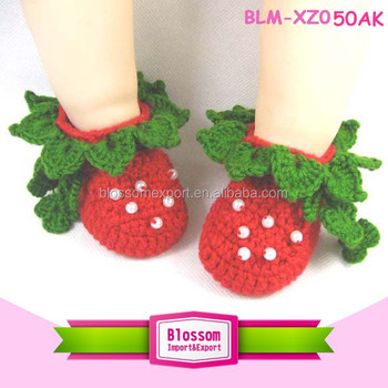 Hot sales green strawberry sweet handmade wholesale newborn baby shoes