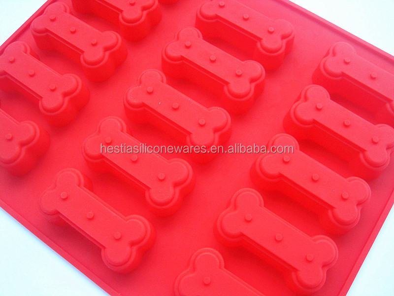 Wholesale BPA free FDA approved food grade non stick dog bone shape silicone ice cube tray