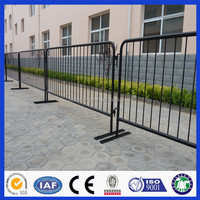 Factory Direct Sales Low Price Good Quality PVC Coated Road Side Steel Crowd Control Barrier