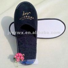 black embroidery hotel disaposable slippers with lowest price