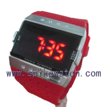 2014 fashionable square shaped red led digital watch