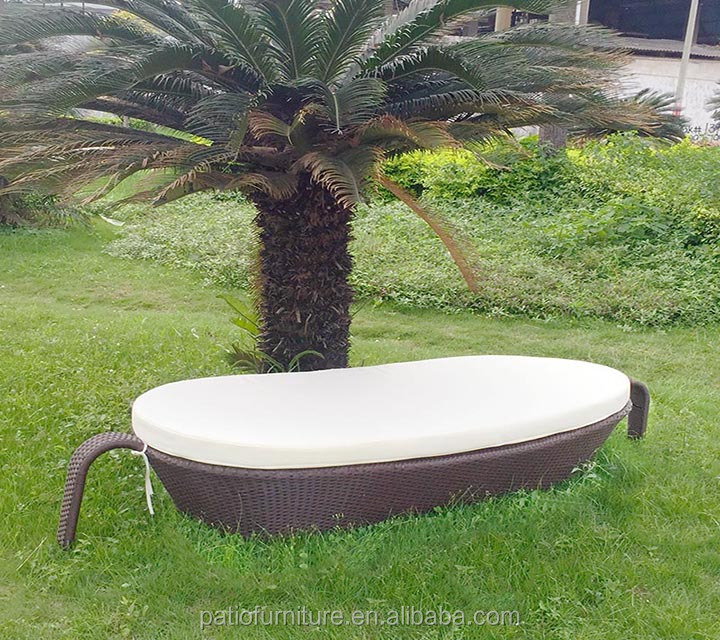 rattan/wicker swimming pool sunbed with tea table set outdoor furniture chaise chair
