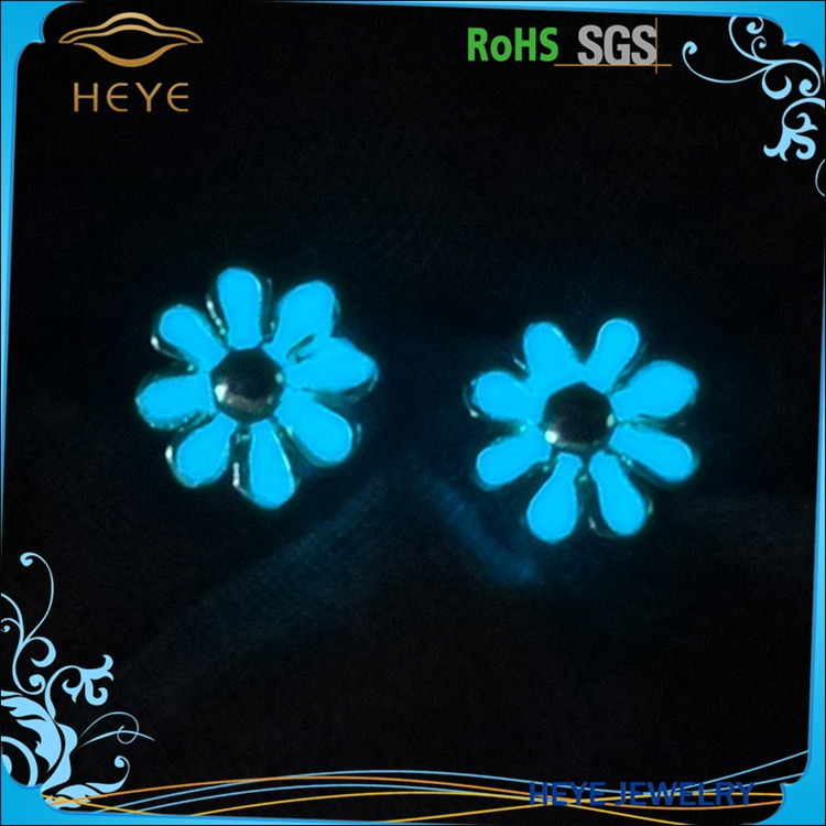 2016 Most Popular Luminous Fashion Light Elegant Noctilucent Flower Ear Stud Earrings