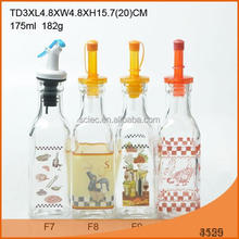 180ml square shaped glass bottle with plastic pourer