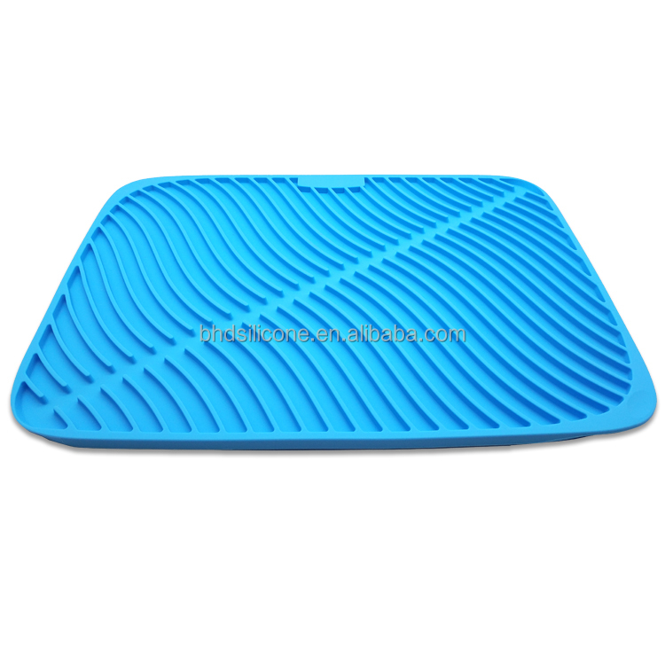Creative Innovative New Designed Multi Functional Water Drain Silicone Sink Mat, Silicone Draining mat