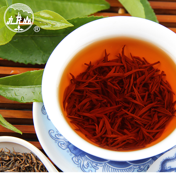 2017 China high quality health certified black tea extracts prices