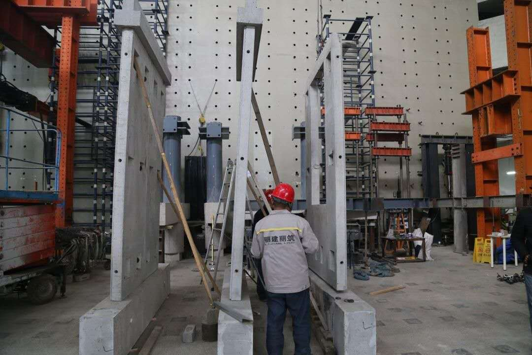 Fully assembly PC system modular building system / precast concrete  wall panel wsix days homestay / Vertical Battery Mould