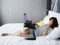 Portable folding ipad bed holder wide enough to span thighs