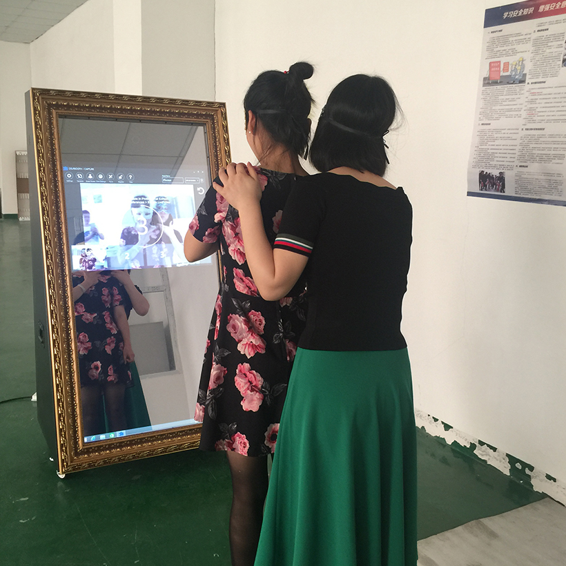 Selfie mirror photobooth touch screen photo booths for weddings Hot 55""