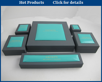 velvet jewelry boxes in plastic with custom logo printed jewelry gift box wholesale