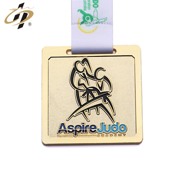 Metal engraved logo square soft enamel Judo award medal