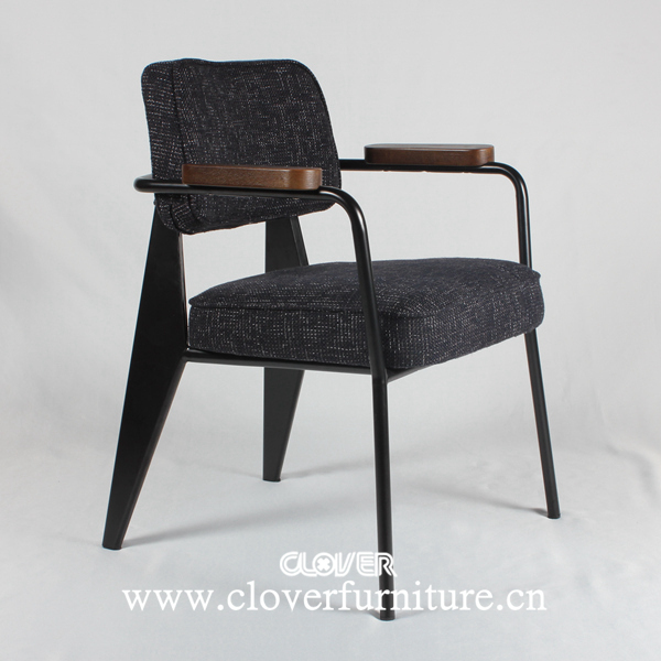 jean prouv fauteuil direction chaise ca194 chaises en. Black Bedroom Furniture Sets. Home Design Ideas